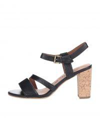 2a695ee692f Podobné produkty jako Černé kožené boty na podpatku Clarks Kendra Spice